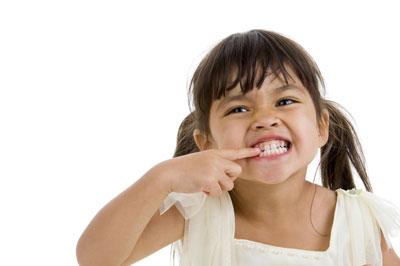 دلایل قرچ قروچ دندان کودکان