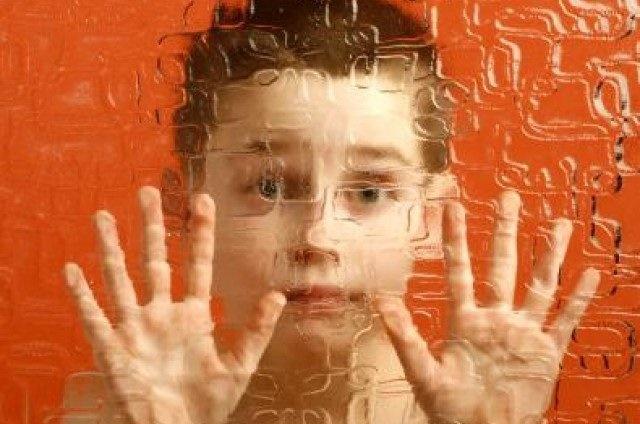 اوتیسم بیماری درخودماندگی   سلامت دات لایف
