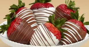 توت فرنگی با روکش شکلات