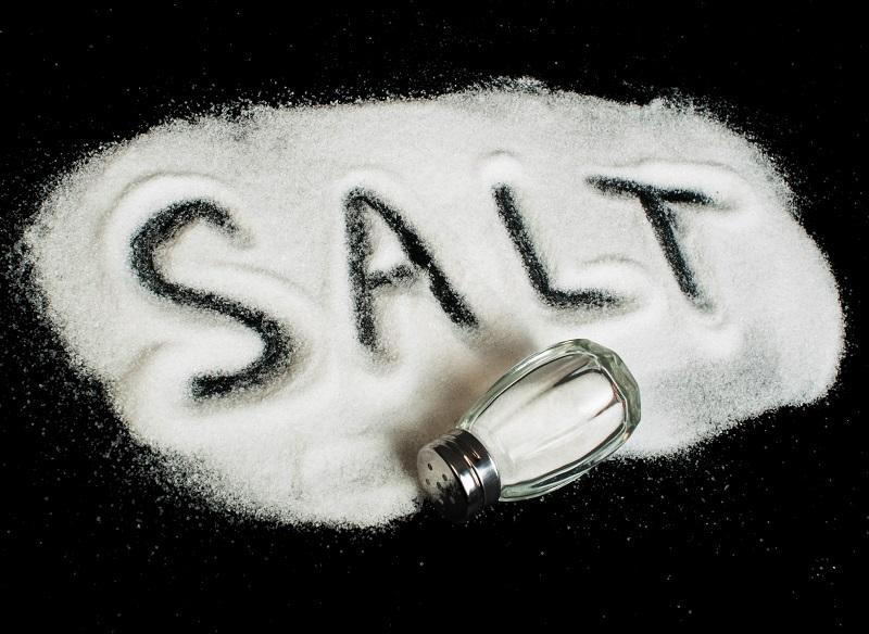 کاهش مصرف نمک برای سلامتی مفید نیست