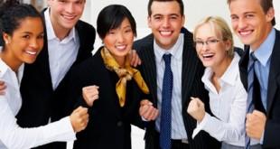 ارتباط دوستانه در محیط کار