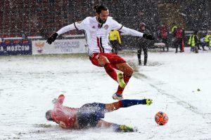 فوتبال در هوای سرد