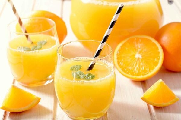 آب پرتقال از خشکی دهان جلوگیری میکند