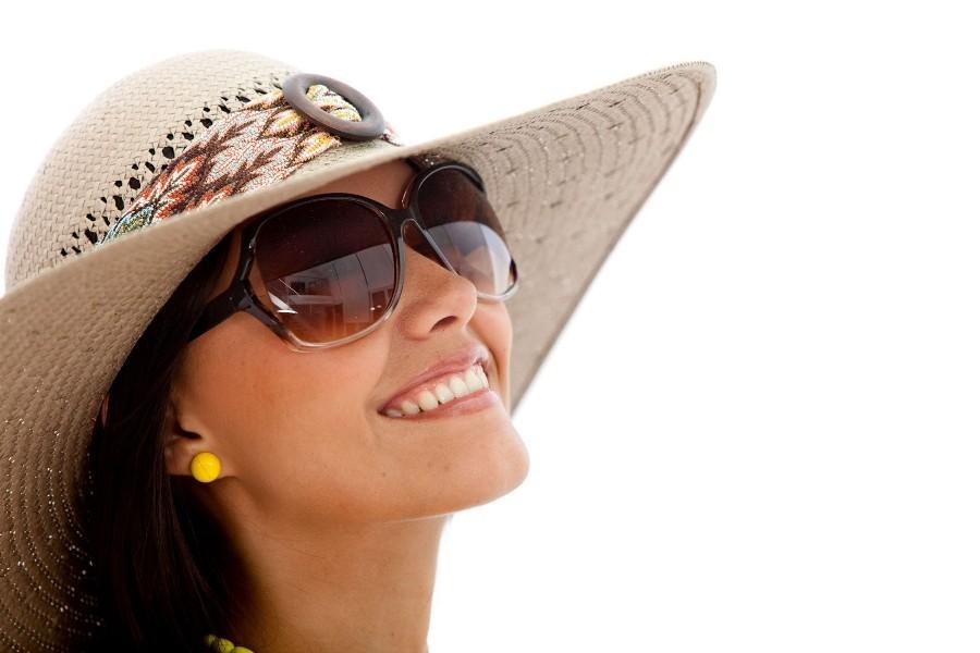 فواید نور خورشید و عوارض سولاریوم