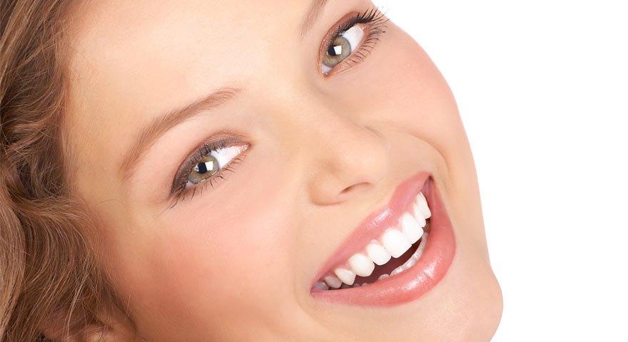 سفید کردن دندان به روش خانگی و دندان پزشکی