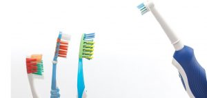 manual toothbrushes vs electric toothbrushes
